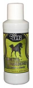 В шампунь для лошадей входят добавки против блох и паразитов
