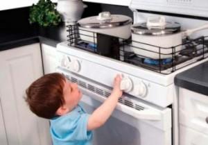 Газовая плита и ребенок