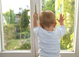 Окно и ребенок