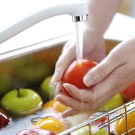 тщательно мойте овощи и фрукты