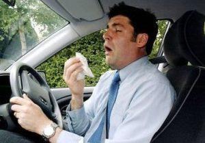 простуженный водитель за рулем